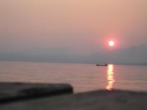 Fischer im Sonnenuntergang Gardasee