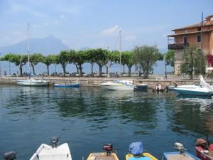 Hafen von Torri del Benaco am Gardasee
