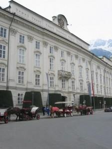 Innsbruck-Stadt-Pferdekutsche-Zentrum