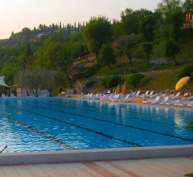 Hotelzimmer mit Pool am Gardasee