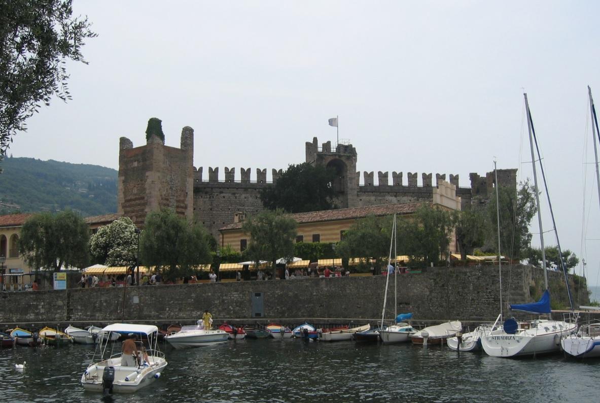 Burg bei Torri del Benaco als Selfie