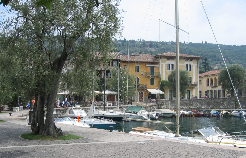 Hafen in Torri del Benaco
